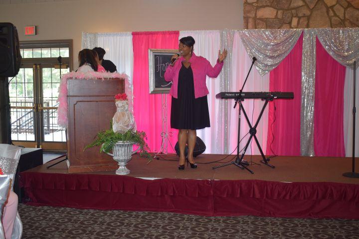 Veda Howard, Praise 102.5 personality