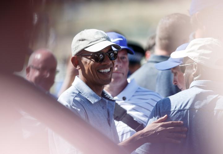 Former President Obama Plays Golf in St Andrews