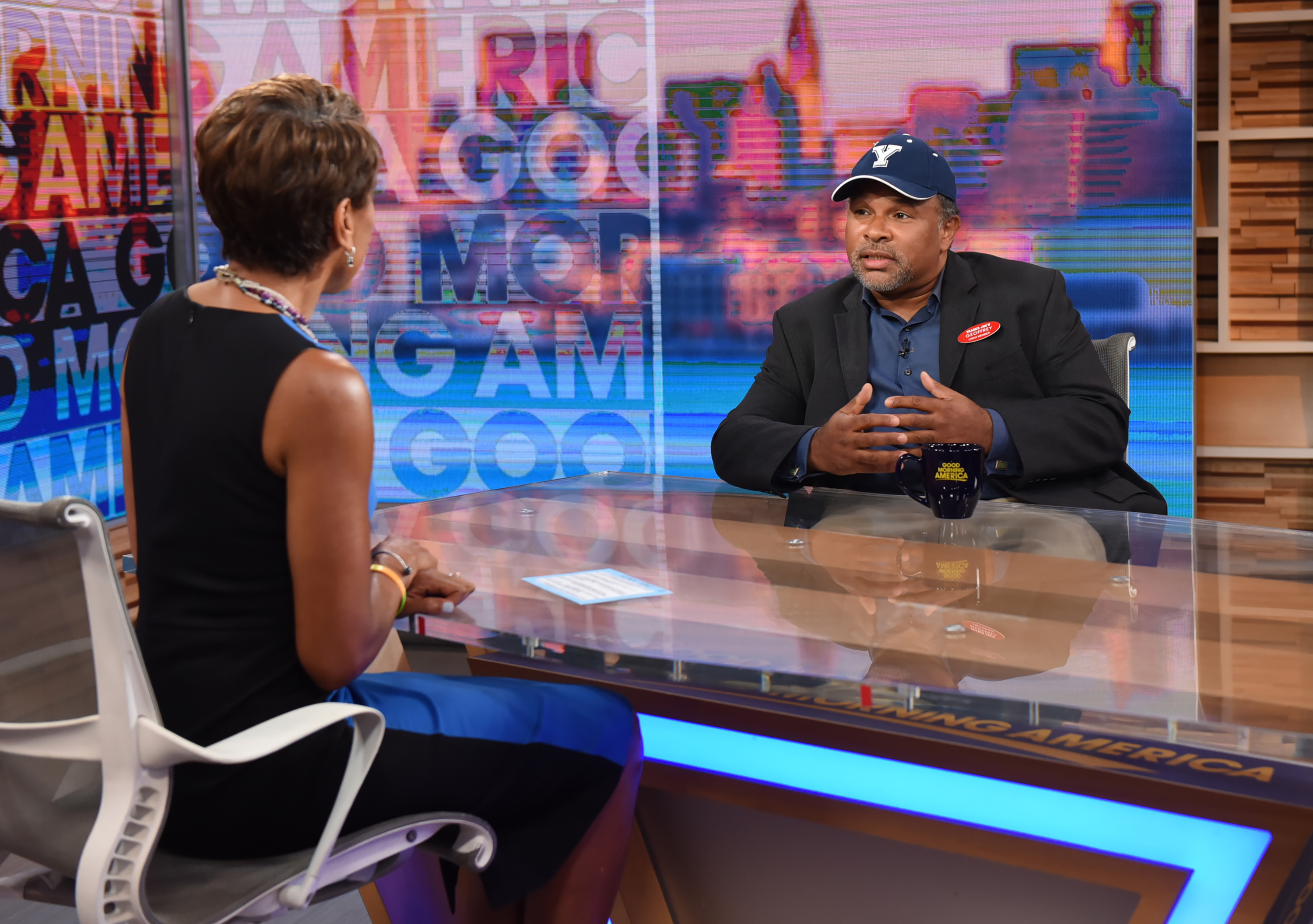 """Geoffrey Owens Returns To TV For A Role On Tyler Perry's """"The Haves and the Have Nots"""""""